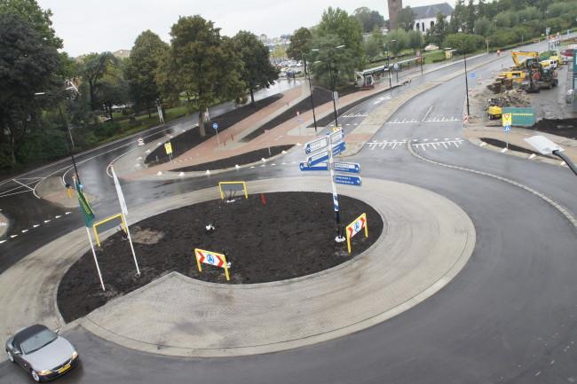 Aannemingsbedrijf Fronik Infra B.V. in Mijdrecht Mijdrecht aanleg Rotonde 9 dagen 24/7