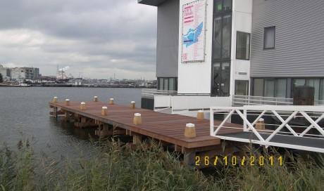 Amsterdam aanleg steiger en loopbruggen `Bonte Zwaan`