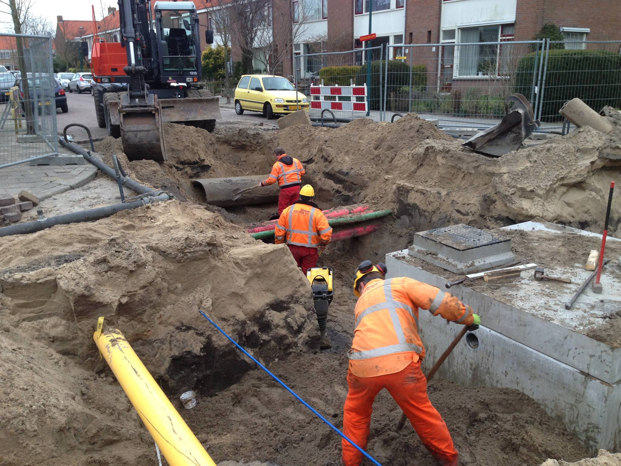 Aannemingsbedrijf Fronik Infra B.V. in Mijdrecht Oegstgeest, sanering riolering 2014