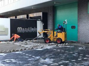 Aannemingsbedrijf Fronik Infra B.V. in Mijdrecht, Uithoorn, onderhoud bedrijfsterrein P.A. van Rooyen Top Movers
