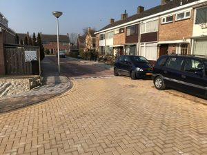 Aannemingsbedrijf Fronik Infra B.V. in Mijdrecht Leimuiden, vervangen riolering Lindenlaan